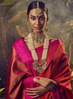 Red Dot Jewels :: Khush Mag - Asian wedding magazine for every bride and groom planning their Big Day Indian Wedding Jewelry, Indian Bridal, Indian Jewelry, Bridal Jewelry, Gold Jewellery, Silver Jewelry, Saree Jewellery, Traditional Indian Jewellery, Silver Rings