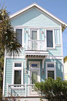 Love this siding color....very calming and cheerful.