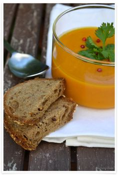 Spicy Kürbis-Kokos-Suppe