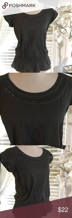 The Limited top Beautiful top , new without tags , 100% cotton The Limited Tops Blouses