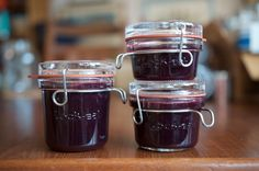 This low sugar Concord grape jelly is a wonderful preserve to make in autumn when grapes are in season. Less sugar allows the grapes to shine.
