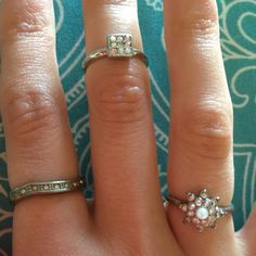 3 ring set faux diamonds. Silver rings. Costume Costume jewelry.. Faux diamond & silver rings . Set of 3. Size 5 about. Forever 21 Jewelry Rings
