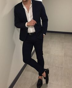 Best shirt stays to keep your shirt tucked in Casual Outfit for Men Korean Fashion Men, Mens Fashion Suits, Mens Suits, Blazer For Men Fashion, Edgy Mens Fashion, Men's Casual Fashion, Topman Fashion, Best Suits For Men, Fashion Styles