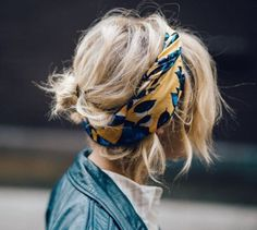 schöne Hochsteckfrisuren für kurzes Haar, Hochsteckfrisuren für kurze Haare , Kurze Frisuren Messy Hairstyles, Pretty Hairstyles, Hairstyle Ideas, Scarf Hairstyles Short, Hairdos For Short Hair, Latest Hairstyles, Short Hair Messy Bun, Short Hair Outfits, Hairstyles With Scarves