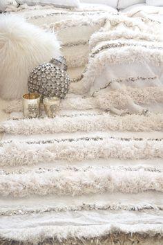 Beautiful Moroccan Wedding Blanket Ivory White Handira www.boutiquemaroc.co.uk