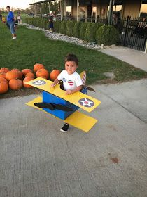 When we found out that Stearman was hosting a Halloween party this year we just had to go. They do a pumpkin drop contest for the pilots an. Cardboard Airplane, Cardboard Box Crafts, Cardboard Toys, Airplane Costume, Airplane Party, Halloween Kids, Halloween Crafts, Halloween Party, Halloween Juegos