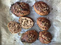 Helpot sämpylät – valmiit puolessa tunnissa/Easy to make rolls, Kotiliesi. Savory Pastry, Bread Recipes, Muffin, Rolls, Cookies, Chocolate, Baking, Breakfast, Desserts