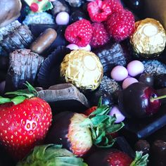 Chocolate covered strawberries, cherries, raspberries, an assortment of Lindt, Cadbury, and Darrell Lea Chocolates!  What's not to love about our Valentine's Day Chocolate Box?! • • • • • • • • #valentinesdaymelbourne  #thatgrazinglife #grazingbox #grazingboxes #grazing #grazingtable #foodie #cheese #catering #cheeseboard #graze #grazingboard #foodporn #party #food #grazingseason #cheeseplatter #antipasto #melbournecatering #cheeseandwine #cheeseplate #cheeselover #melbourneevents…