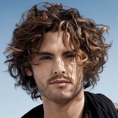 messy medium curly hair