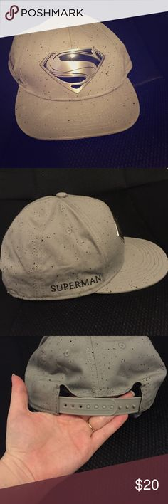 d354a7847d3 Mens superman snapback hat Awesome gray and black superman snapback hat for  men. Material is