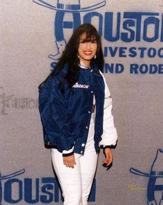 Selena The Queen of Tejano Selena Quintanilla Perez, Selena Gomez, Selena Selena, Jennifer Aniston, Jennifer Lopez, Willie Nelson, Corpus Christi, Jackson, Bustiers