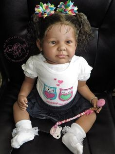 Lifelike Reborn Dolls for sale by Professional Artist Fay O'neal. Cuddle Me Soft Nursery specializes in all ethnic types to provide a wide range of Heirloom Quality Art Dolls for the discerning Collector. Reborn Babies Black, Reborn Babies For Sale, African American Reborn Babies, Reborn Dolls For Sale, Baby Dolls For Sale, Reborn Toddler Girl, Reborn Baby Boy Dolls, Pretty Dolls, Cute Dolls
