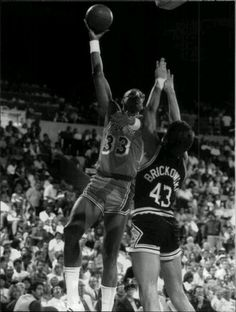 1968 Houston Cougars ELVIN HAYES Glossy 8x10 Photo College Basketball Print