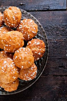 Chouquettes A Food, Food And Drink, Cake Factory, Making Whipped Cream, How Sweet Eats, Food Hacks, Sweet Recipes, Sweet Tooth, Food Photography