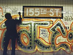 These photographs of the New York City subway system were taken mostly from the and early when graffiti was a mainstay on train . New York Subway, Nyc Subway, Subway Art, New York Graffiti, Street Art Graffiti, Graffiti Artists, Graffiti Bridge, Nyc Train, New York Pictures