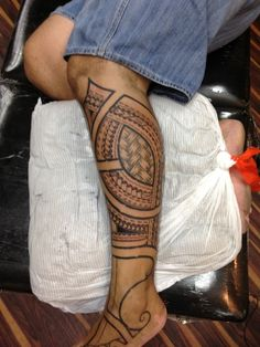 Polynesian leg Tattoo!!!