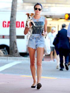Celebs estilo off duty - Candice Swanepoel