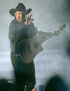 Garth Brooks, Country Singers, The Man, Riding Helmets