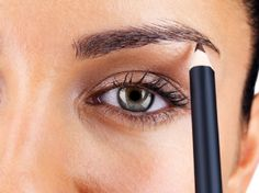 Lesson No. Know how to conceal those under-eye circles, 10 Secrets I Learned at Makeup Artist School No Make Up Make Up Look, Putting On Makeup, Eye Circles, Eye Makeup Tips, Fake Makeup, Makeup Geek, Eyebrow Makeup, Beauty Makeup, Professional Makeup Artist