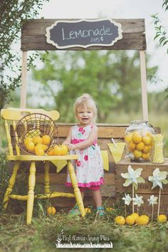 Child Photography | Lemonade Stand | Mini Session