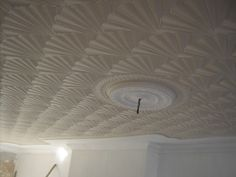 Dealing with ceiling wall texture drying out too quick. Cure this problem and watch your comb patterns run smoothly
