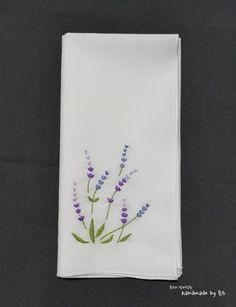 야생화자수 손수건 작업중~~~!! 오늘은 손수건 도안을 몇개 더 만들어서 작업을 했어요역시 손수건에는 야... Embroidery Flowers Pattern, Embroidery Works, Embroidery Bags, Simple Embroidery, Learn Embroidery, Japanese Embroidery, Hand Embroidery Designs, Embroidery Thread, Cross Stitch Embroidery