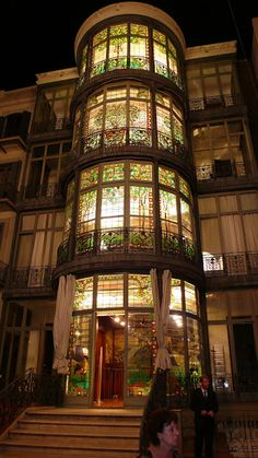"solarpunkprincess:"" salantami:""The Art Nouveau Casa Lleó i Morera,Barcelona""I was convinced for a second that that was one of those external-facing elevator shafts. That would be pretty great, actually - instead of being forced to look out over. Beautiful Architecture, Beautiful Buildings, Art And Architecture, Architecture Details, Beautiful Places, Stained Glass Art, Stained Glass Windows, Art Deco, Hotel W"