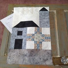 Block 1 September 2016/17, i chose Traditional. The $10 club block is barn door and the barn pattern is extra and results in finished top at end of year!