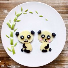 adorable food art for kids from cute chichai Food Art For Kids, Cooking With Kids, Food Crafts, Diy Food, Food Tips, Food Hacks, Creative Food Art, Food Wallpaper, Food Garnishes