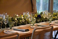 Guirnalda de flores. Boda color amarillo. Boda en Mas Darder. Flower garland. Yellow wedding. Wedding in Mas Darder.