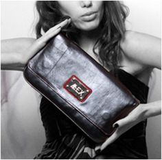 This black clutch bag is enough to complete your attire for your evening dinner.