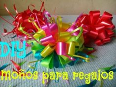 Como Hacer Un Moño/Como hacer un Moño Pom Pom /moño para Regalo/How to make a bow for gift - YouTube Ribbon In The Sky, Crazy Bird, Gift Bows, Ideas Para Fiestas, Lilo And Stitch, How To Make Bows, Paper Dolls, Diy Gifts, Color Schemes