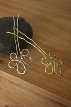 Flower hair fork yellow brass hair stick silver hair por Kapelika