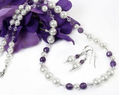 Hey, I found this really awesome Etsy listing at https://www.etsy.com/il-en/listing/225292325/white-pearl-necklace-earrings-jewelry