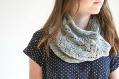 "un joli snood dentelle ""precious"" by ittybittyblog #tricot #soie #cachemire"