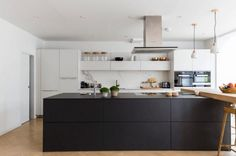 31 Black Kitchen Inspirations for the Bold, Contemporary Home – Part 1