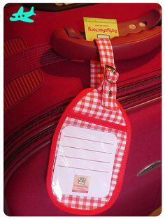 Luggage Tag by Carol Grilo (FofysFactory®) Travel Items, Travel Gadgets, Packing Tips, Tags, Suitcase, Encouragement, Quilting, Label, Watch