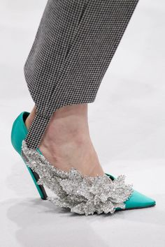Balenciaga Fall 2016 Ready-to-Wear Accessories Photos - Vogue