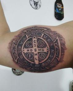 Tattoo medalha de São Bento