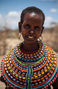 Africa | Samburu woman.  Kenya | ©Santiago Urquijo