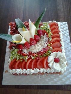 inspiration from the net - Food Carving Ideas Cute Food, Good Food, Yummy Food, Yummy Snacks, Food Design, Food Carving, Vegetable Carving, Food Garnishes, Garnishing