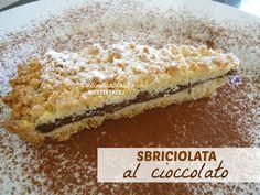 Non vi dico bugie ma questa è veramente la ricetta piu' veloce e facile di dolci in assoluto, e oltretutto è anche una delizia. Io lo chiamerei il dolce dell'ultimo momento, pochi ingredienti, poca fatica, ma tanta soddisfazione....LA sbriciolata al cioccolatoooo ;)