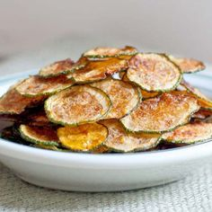 Zucchini Chips Recipe - Best Crafts and Recipes Chip Alternative, Zucchini Chips Recipe, Wordpress, Clean Eating, Healthy Eating, Potato Chips, Oven Baked, Vegetable Recipes, Recipes