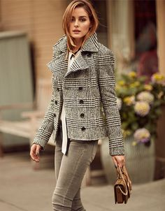 Olivia Palermo wearing Banana Republic Plaid Jacket, Banana Republic Gray Skinny Ankle Jeans, Banana Republic Tie Bow Blouse and Banana Republic Micro Chain Buckle Bag in Olive Estilo Olivia Palermo, Olivia Palermo Lookbook, Olivia Palermo 2017, Moda Fashion, Star Fashion, Olivia Palermo Banana Republic, Grey Skinny Jeans, Gray Jeans, Women's Jeans