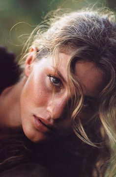 Gisele Bundchen, Helena Christensen, Portrait Photography, Fashion Photography, She Is Gorgeous, Poses, Glamour, Vogue Australia, Powerful Women