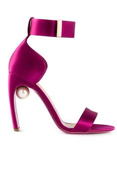 30 AMAZING Shoes To Start The Year Off On The Right Foot #refinery29  http://www.refinery29.com/best-shoes-of-2015#slide3  Can you find the hidden gem?