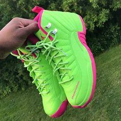 Sneakers – High Fashion For Men Zapatillas Nike Basketball, Zapatillas Jordan Retro, Jordan Shoes Girls, Air Jordan Shoes, Girls Shoes, Cute Sneakers, Sneakers Mode, Sneakers Fashion, Green Sneakers