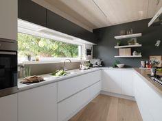 Most Noticeable Awesome Kitchen Window Design - homevignette Kitchen Room Design, Kitchen Cabinet Design, Modern Kitchen Design, Home Decor Kitchen, Interior Design Kitchen, New Kitchen, Kitchen Cabinets, Awesome Kitchen, Kitchen Ideas