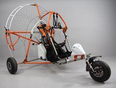 Attività L`attivita` principale dell`azienda riguarda la progettazione e costruzione di paramotori per il volo con parapendio e relative applicazioni per il deltaplano.