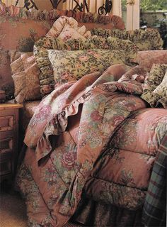"""Maura"" is part of Ralph Lauren Home's Irish Cottage Collection. Very rare. Also in the collection are the Jesse Paisley and the Meade floral print. You can see just the corner of a plaid. I love it and don't know the name."